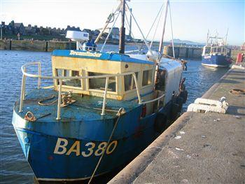 03 Dreamfinder bomb boat