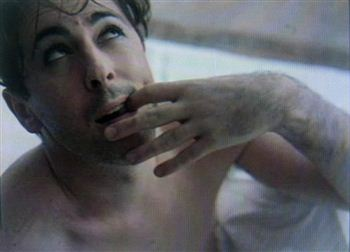 07-alan-cumming-in-bath-2