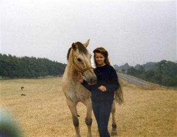 vicky-hamilton-with-horse1