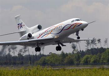 03-rbs-falcon-7x-jet