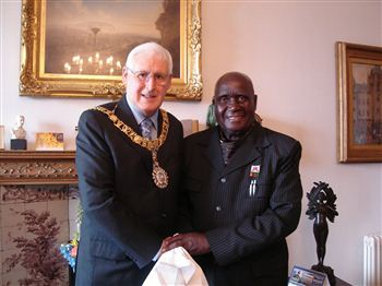 Lord Provost George Grubb with Dr Kenneth Kaunda