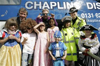 ANGRY: Justic Secretary Kenny MacAskill (rear left) with kids