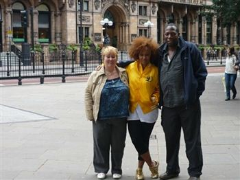 Diane and Joel Sande with their superstar daughter Emeli (centre)