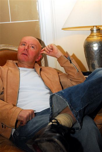 02 irvine welsh sitting