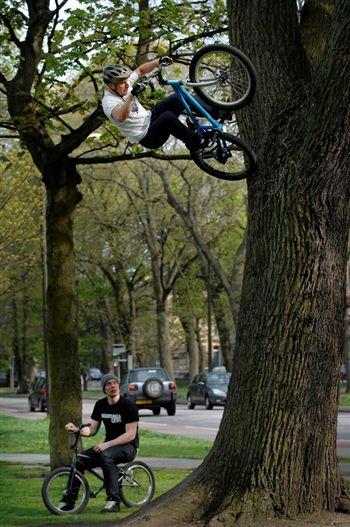 Danny Macaskill - Stunt Cyclist 1small