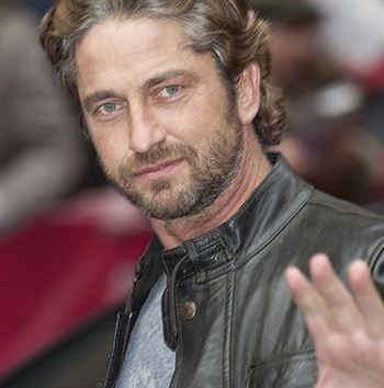 HOLLYWOOD actor Gerard Butler has said he would rather score a goal for ...