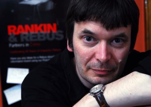06 Ian Rankin leaning on wrist
