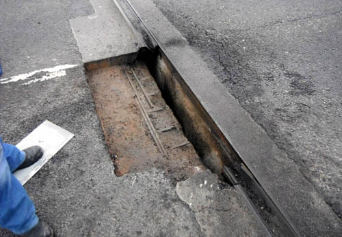 Six mile tailbacks followed the discovery of this 3ft hole