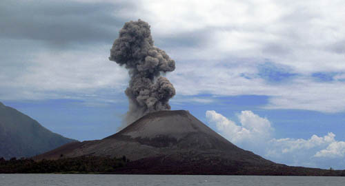 Krakatoa: the trek should last around eight days