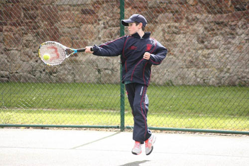 Jacob Fearnley showing off his forehand ahead of the Paris tournament