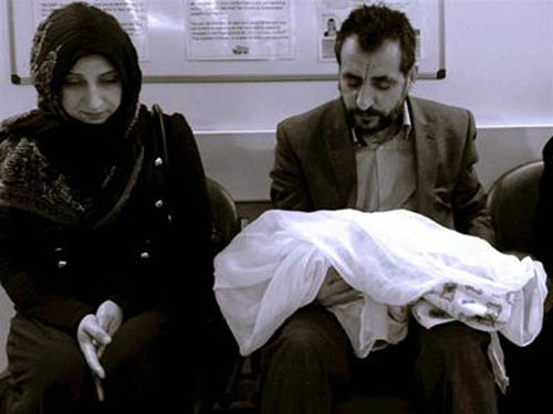 Mohammad with his uncle Mohammad at the hospital in Yorkhill