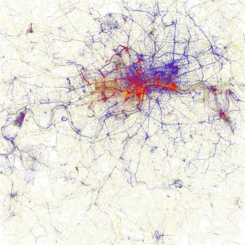 The London map showing where locals and tourists take photographs