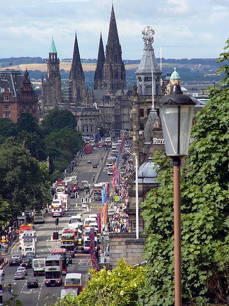 Edinburgh property costs  £237,286 on average