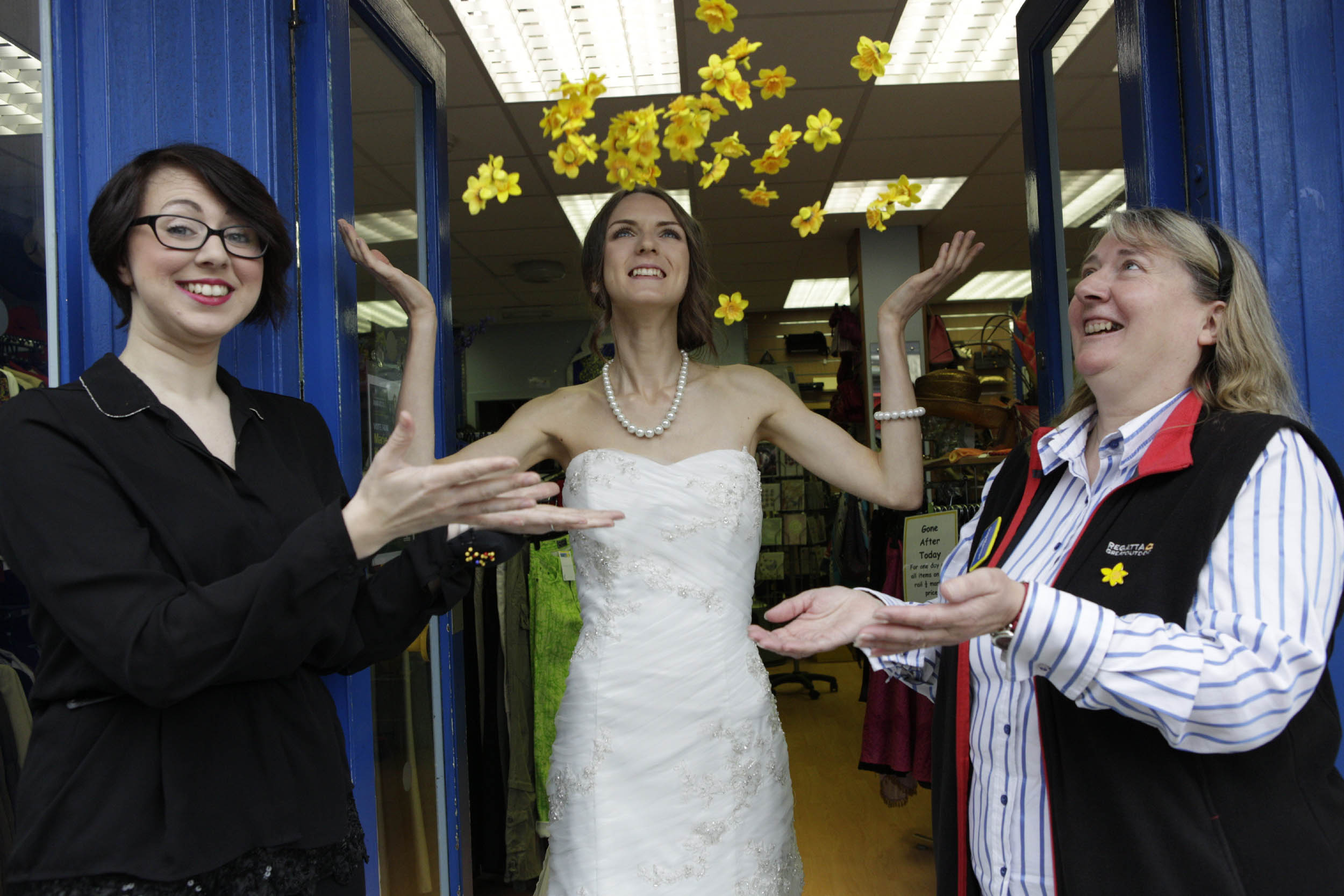 £1500 Designer Wedding Dress Donated To Edinburgh Charity Shop: 1500 Scottish Wedding Dresses At Reisefeber.org