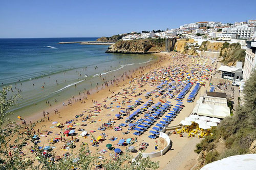 A beach on Albufeira, where the trio were staying (Pic: Wiki Commons)