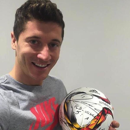 (Pic: Twitter @official_lewy)