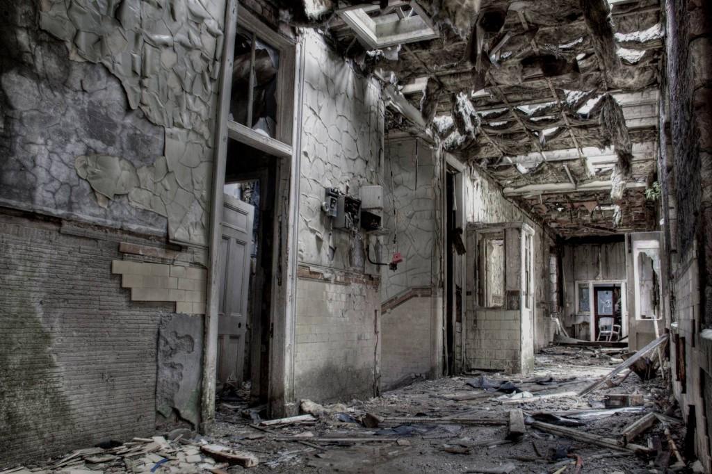 A crumbling hallway- Viral News Scotland