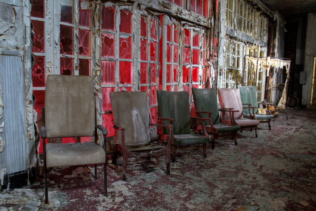 Old chairs in a hallways- Viral News Scotland