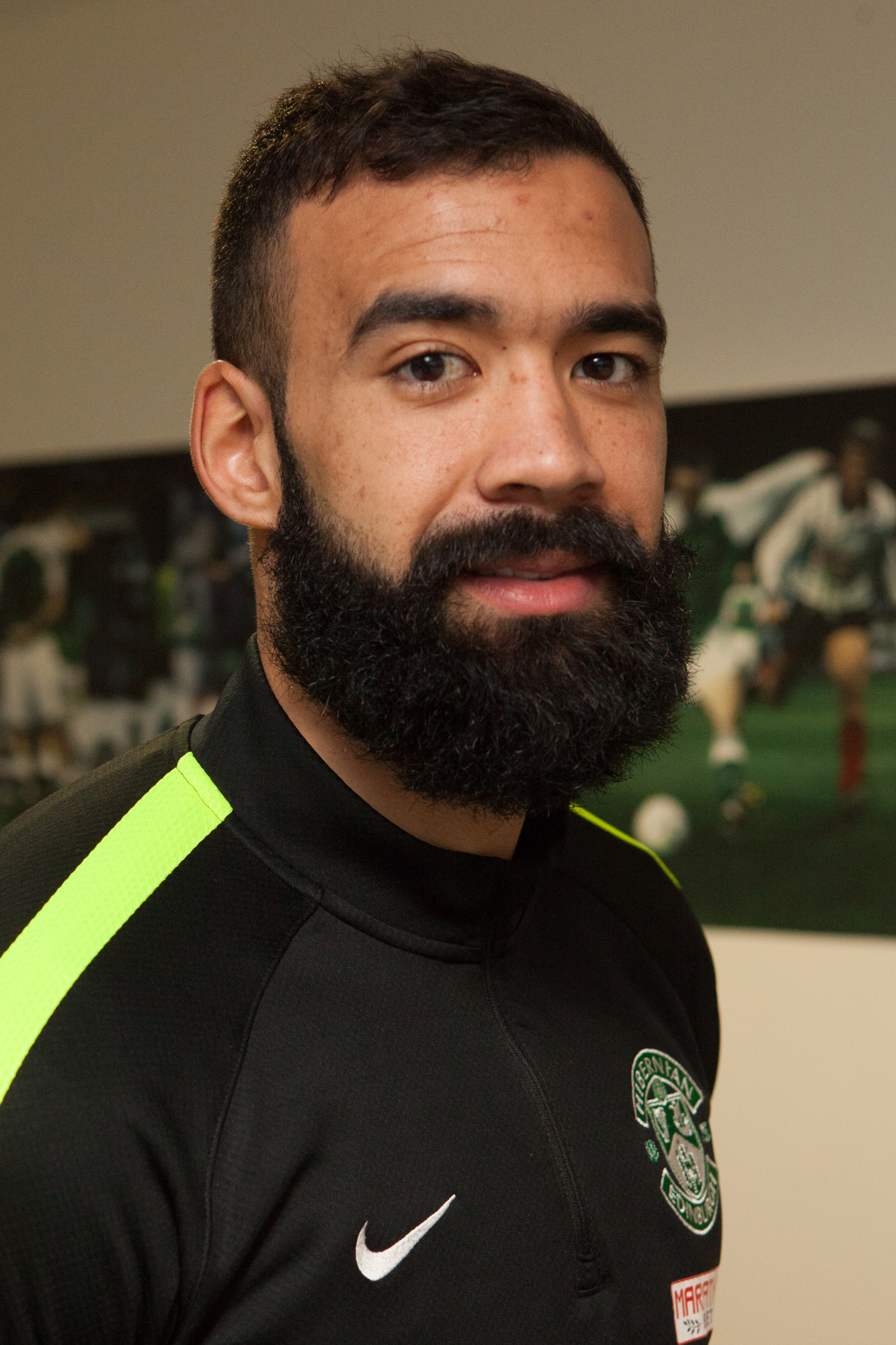 LIAM FONTAINE CHARITY BEARD SHAVE-2 (5)