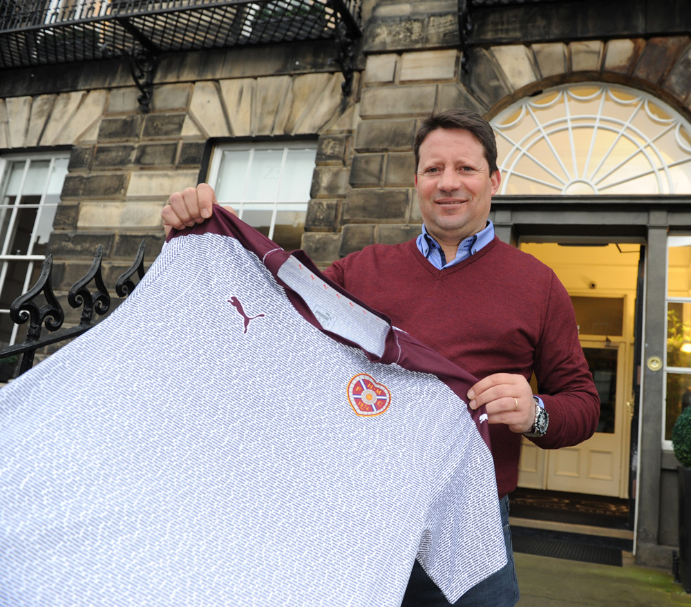 4/02/2016 Former Hearts Manager Paulo Sergio with his presentation Foundation of Hearts Shirt on his visit to the capital to take in the William Hill Scottish Cup Fifth Round tie with Edinburgh Rivals Hibernian on Sunday 7th Feb 2016. Pic Eric McCowat