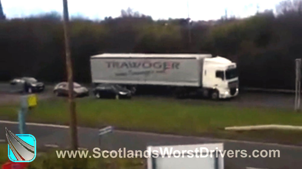 Some cars overtook the lorry as it was reversing