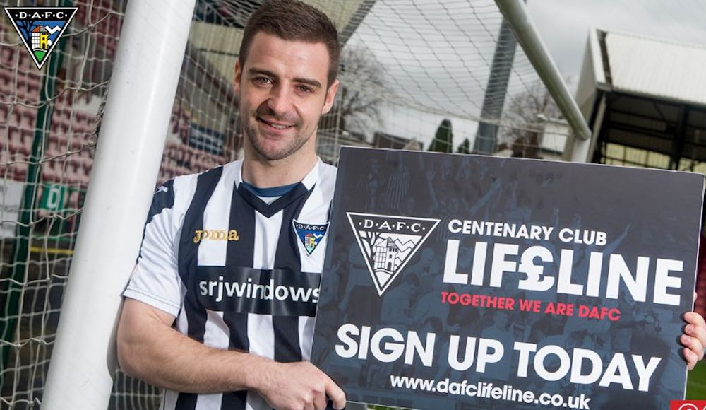 Robinson will look to kick-start his career at East End Park (Pic: Twitter @officialdafc)