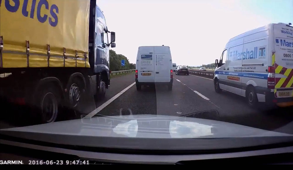 The HGV can be seen driving up the hard shoulder