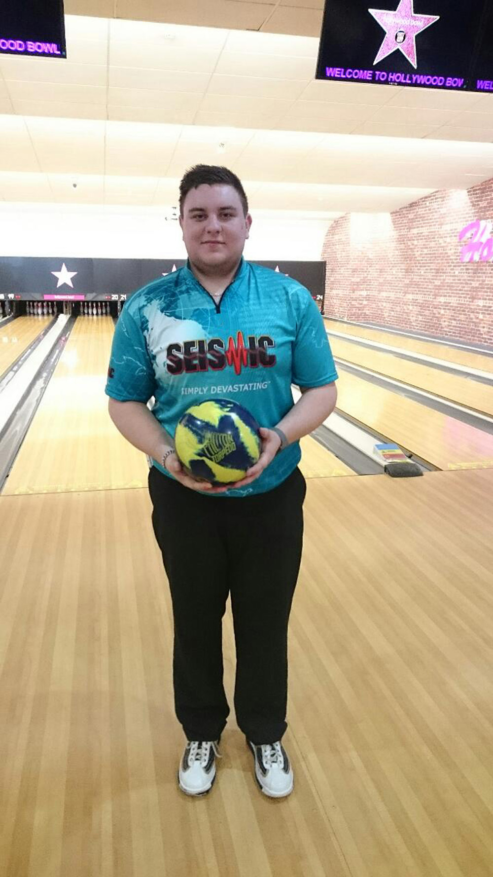 One of Scotland's top tenpin bowlers is trying to raise funds to get to the World Championships in Doha