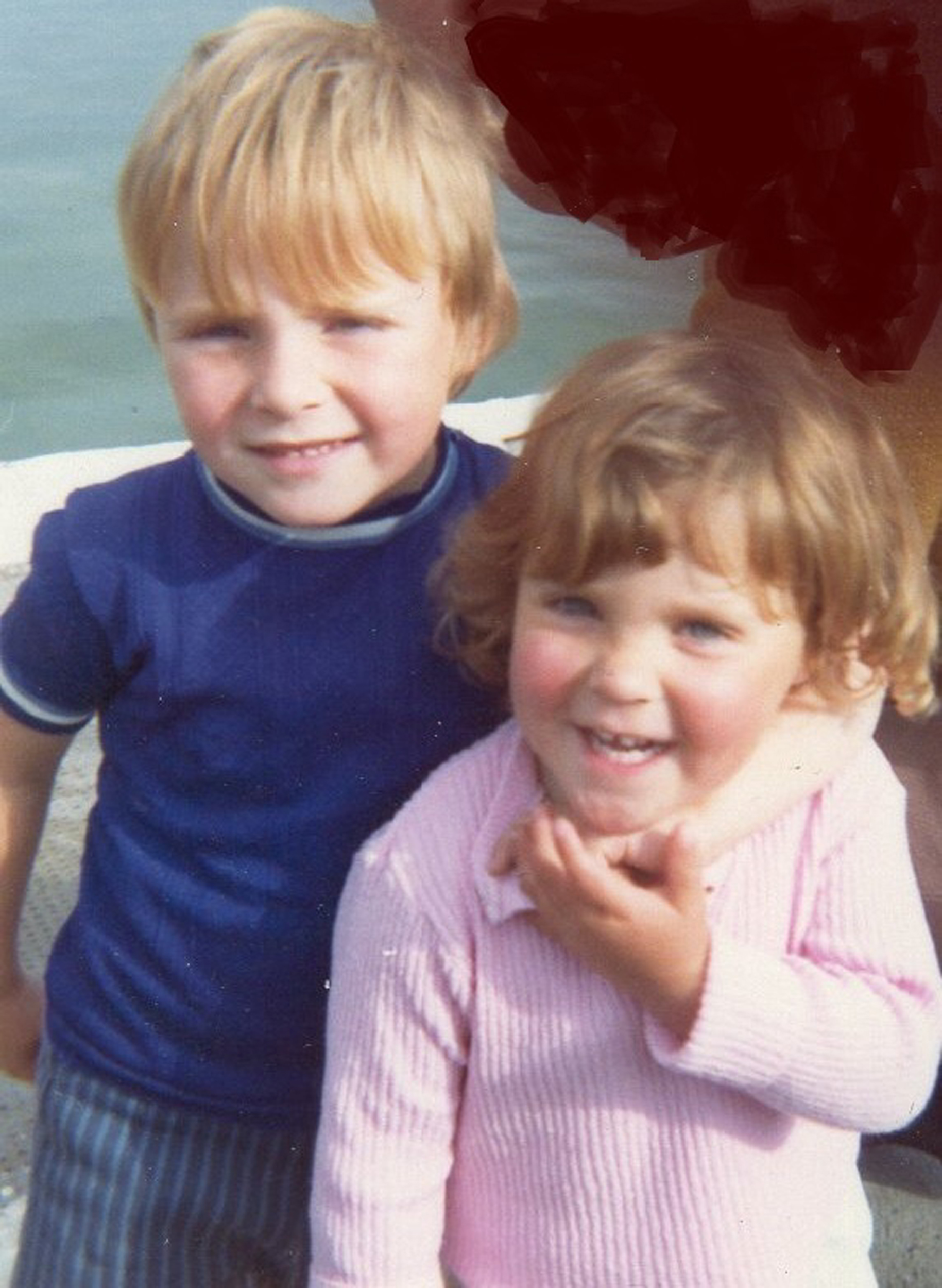Jimmy and Lynn as children