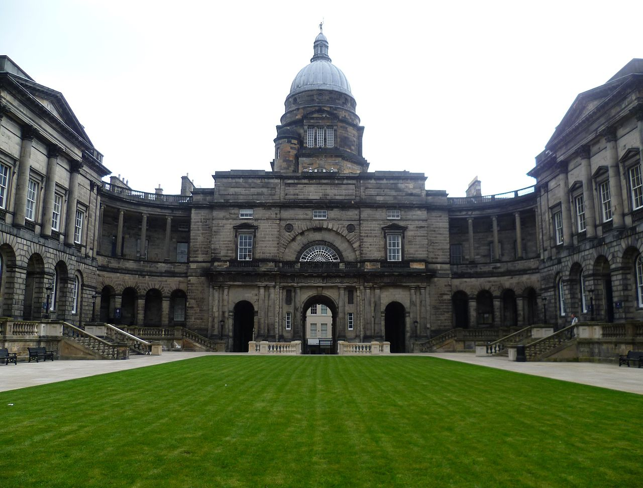 Edinburgh University's Old College Image: Kim Traynor