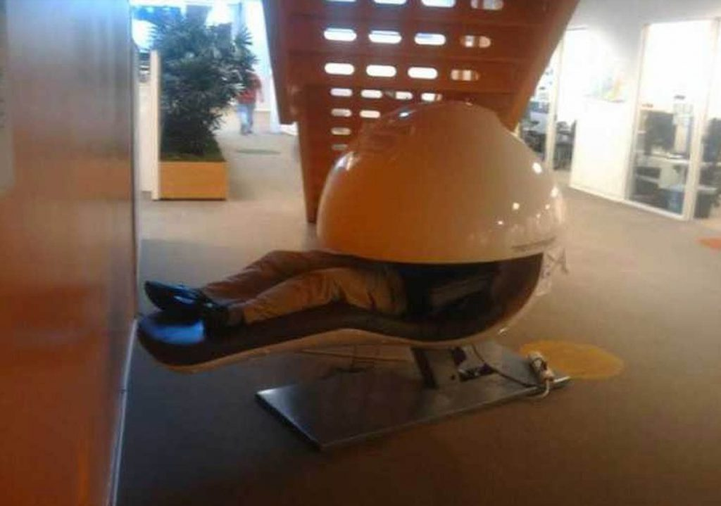 Nap pods are common at the offices of tech firm Google and now students at Edinburgh University want them in their main library to raise student satisfaction.