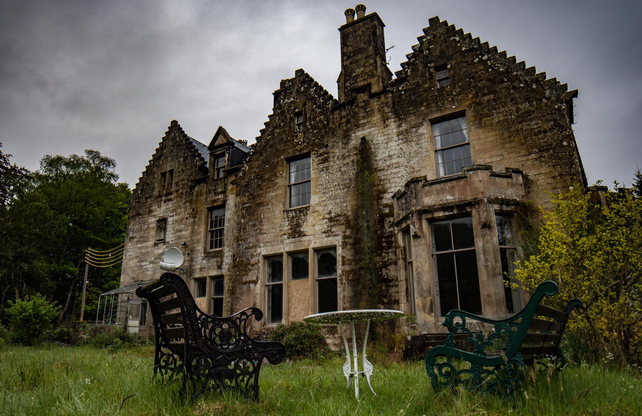 stunning photos show abandoned mansion designed by famous scottish architect deadline news. Black Bedroom Furniture Sets. Home Design Ideas