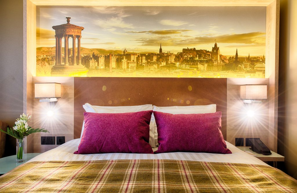 A double bedroom at the Leonardo Royal Hotel Edinburgh © DEADLINE NEWS