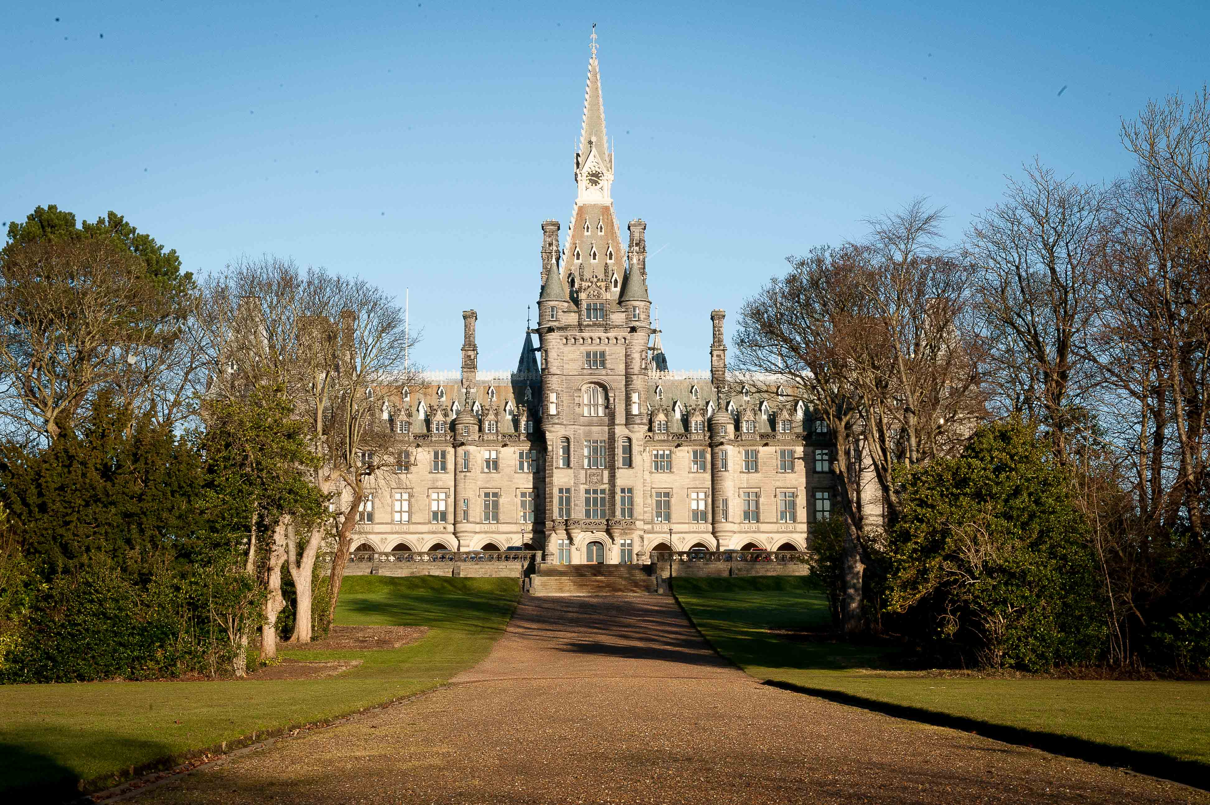 Fettes expels student in first week after he attends chapel