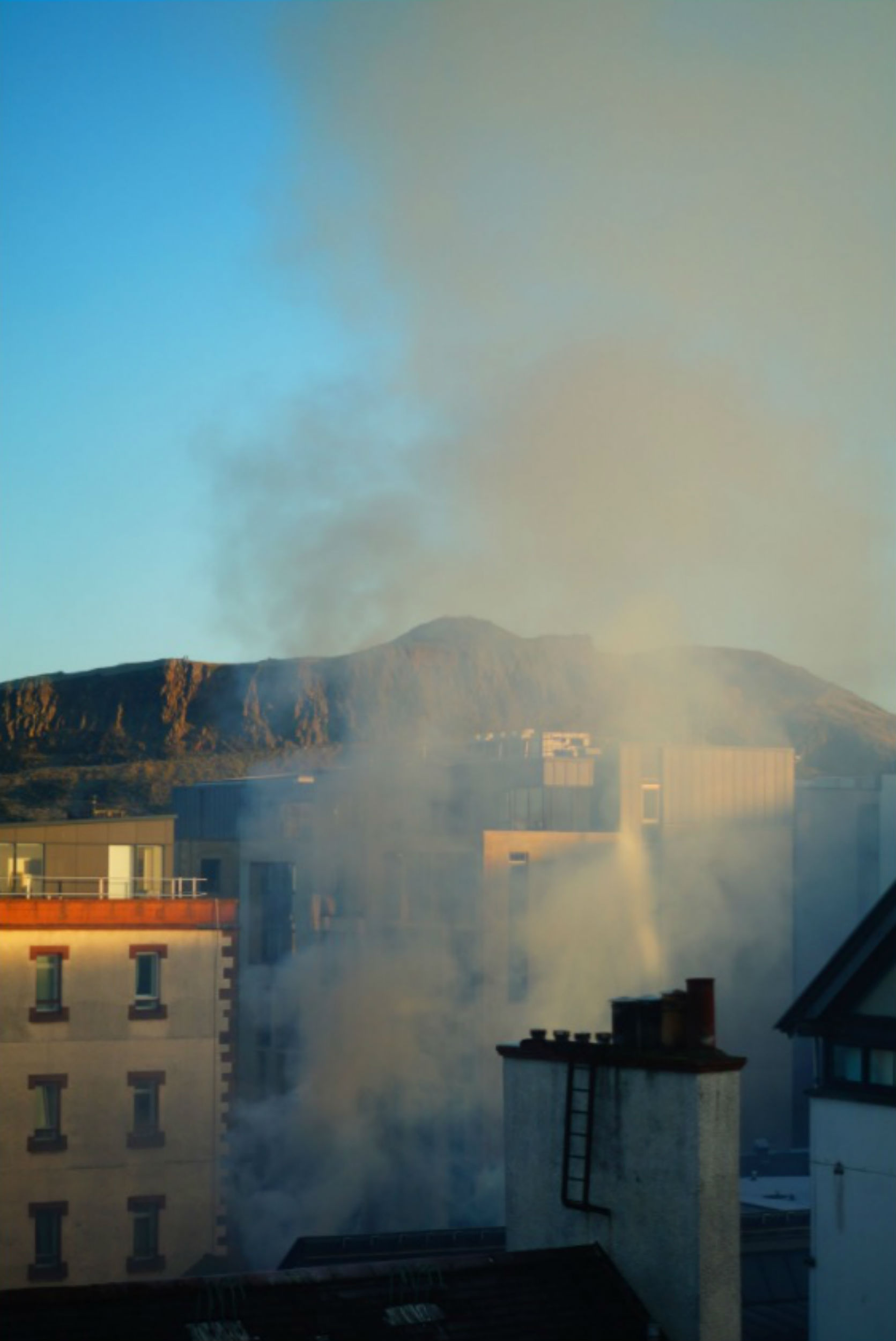 firecrews battle blaze in edinburgh u2019s old town