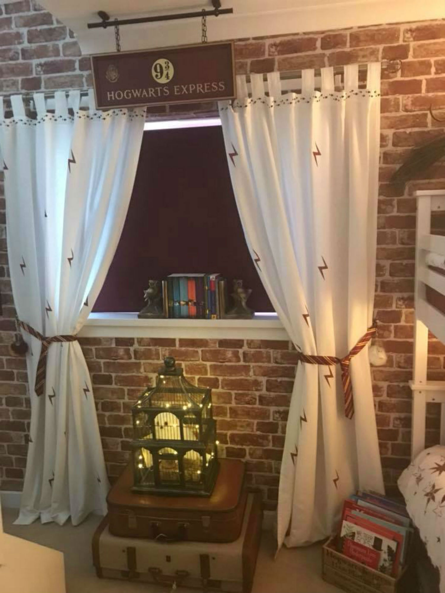 Mum Creates Amazing Harry Potter Bedroom For Boys While