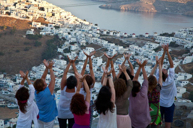 Travel review of Greek yoga retreat. Group of yoga enthusiasts