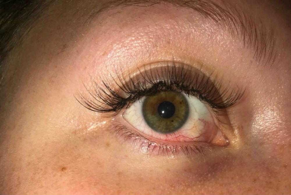 Sophie's eyelashes- Viral News