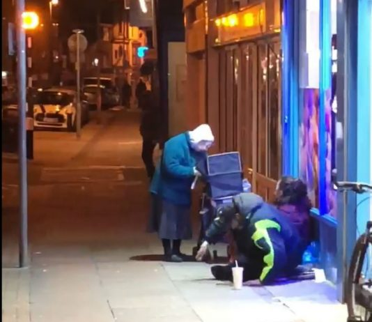 """Elderly woman handing out food to homeless on bitterly cold night praised as """"absolute legend"""""""