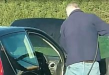 """""""Defo a serial killer"""" Clip of man power-washing INSIDE of car sends internet wild with speculation"""