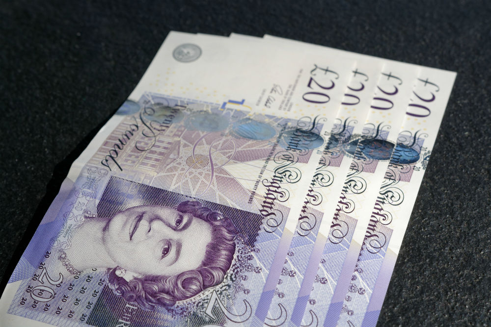 £20 twenty pounds money cash