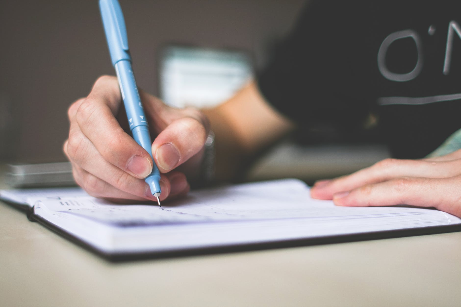 How to write an essay outline fast