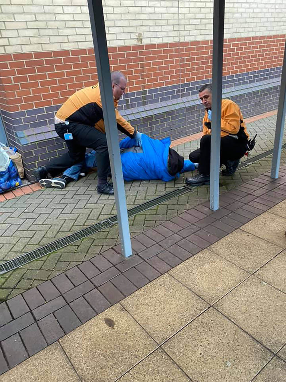 Homeless man is then taken to the ground- Viral Video News