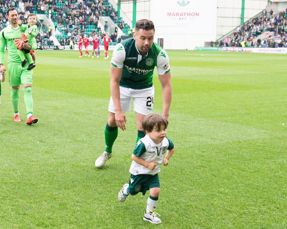 Darren McGregor with his son, Max | Hibs news