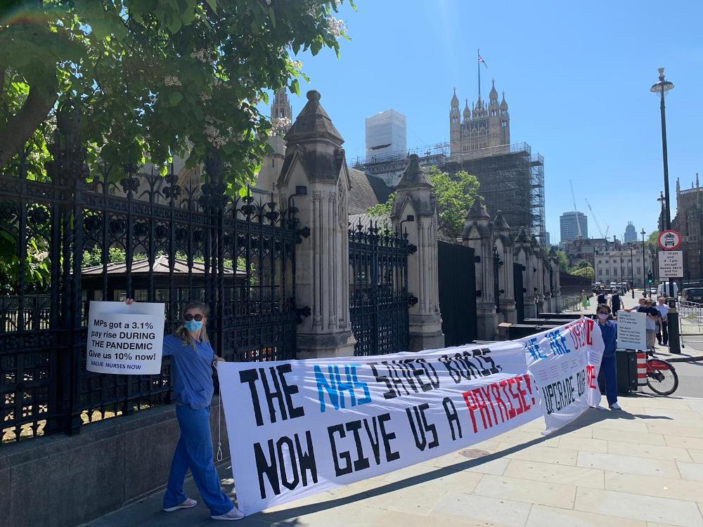 Nurses outside parliament