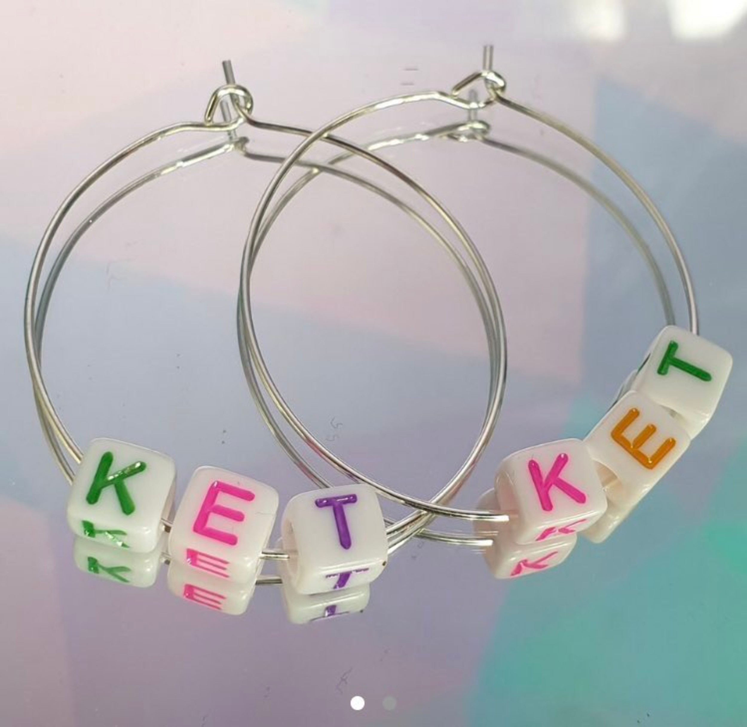 A picture of drug inspired earrings - Viral News