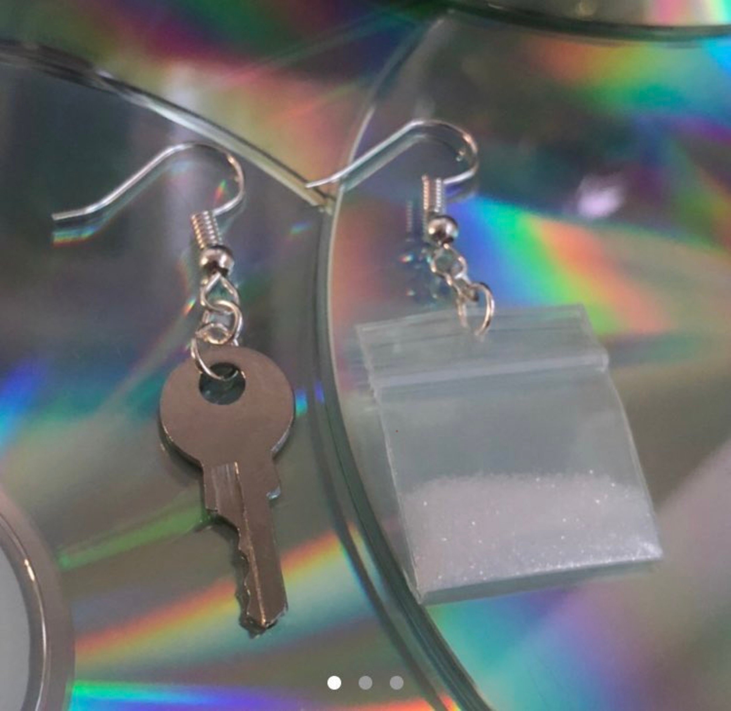 More earrings available online resembling class A and class B drugs. - Viral News