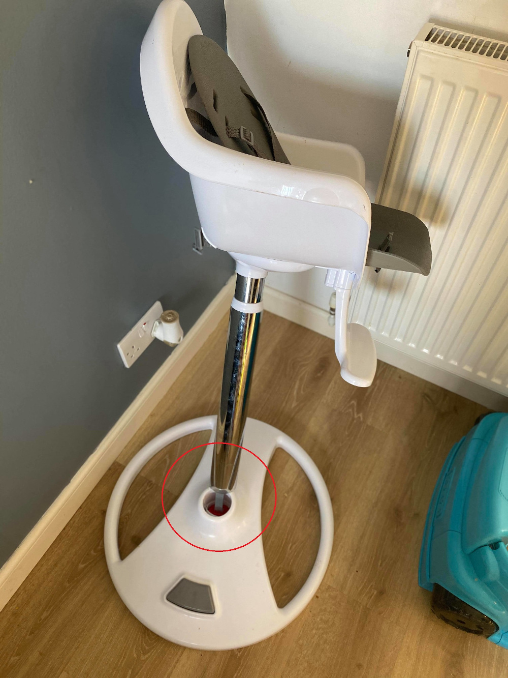 Aldi high chair breaks injuring baby