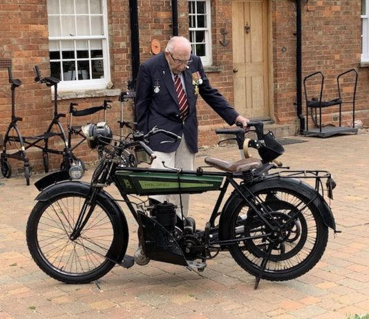 Captain Tom Moore and the Royal Enfield Model 200- UK News