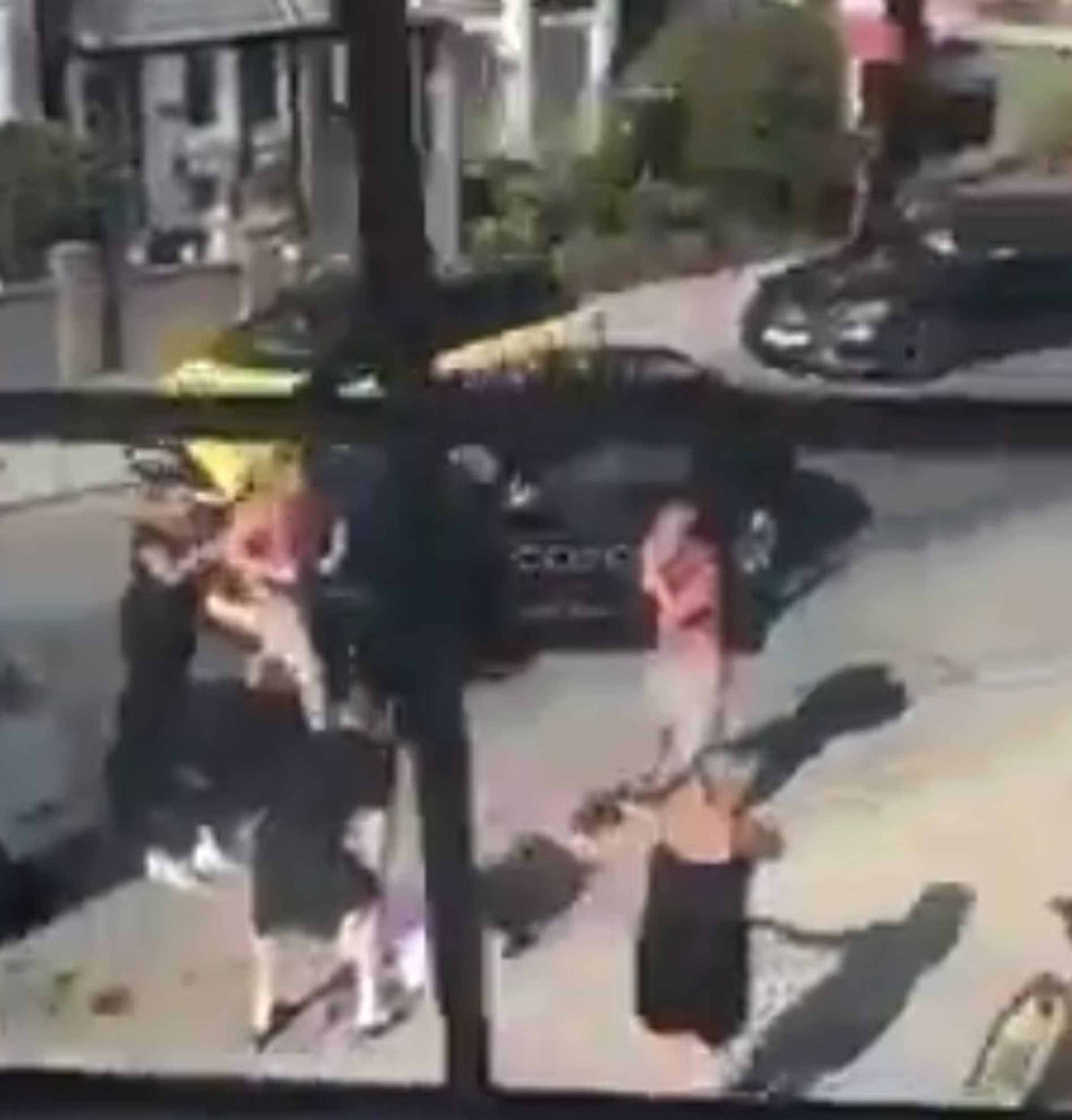 Shocked crowd gathers- Viral VIdeo News